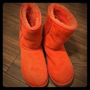 Orange UGG Shorties 😉